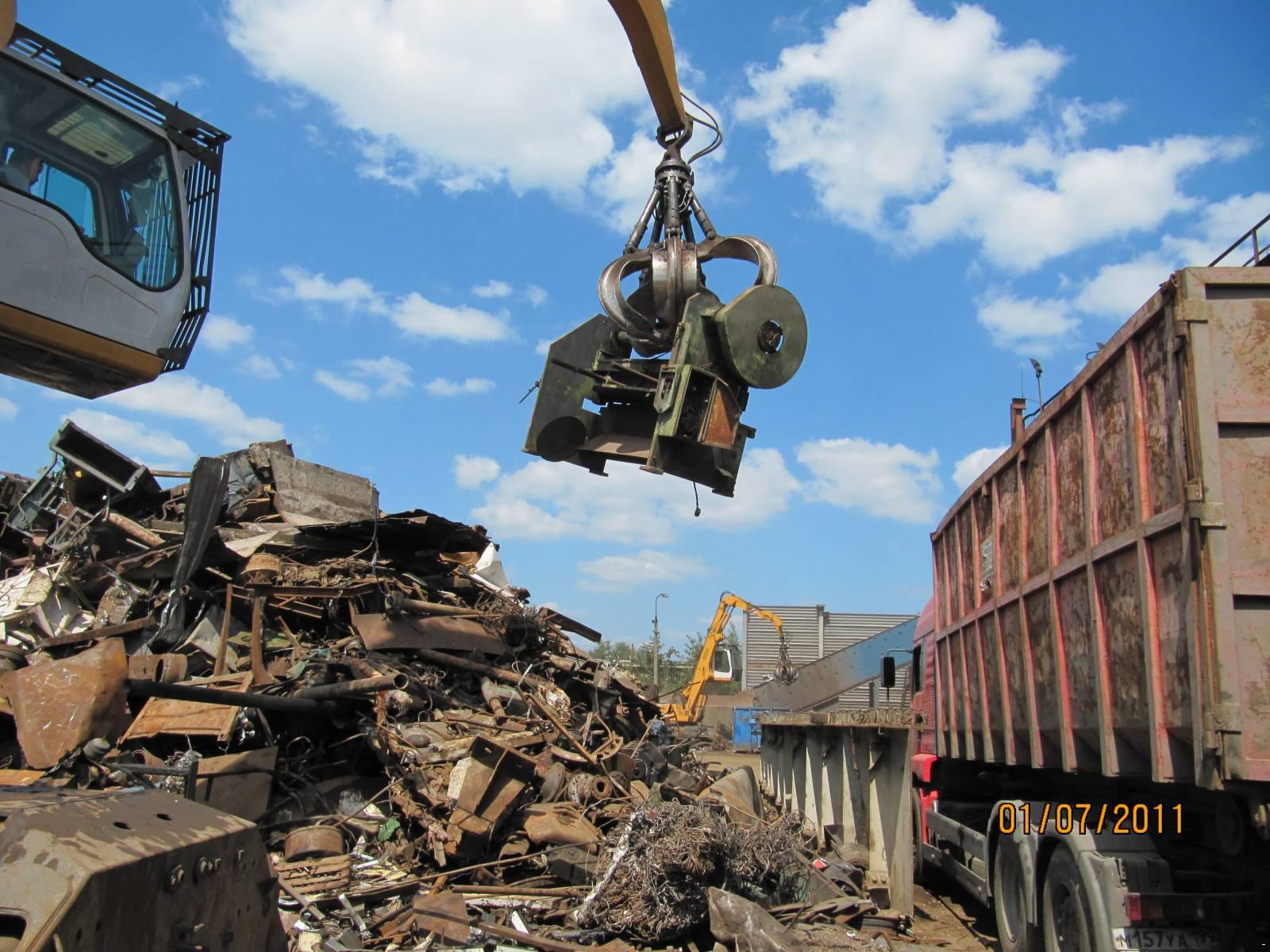Сдать металл с вывозом в Новый Быт лом черных металлов цена в Серпухов